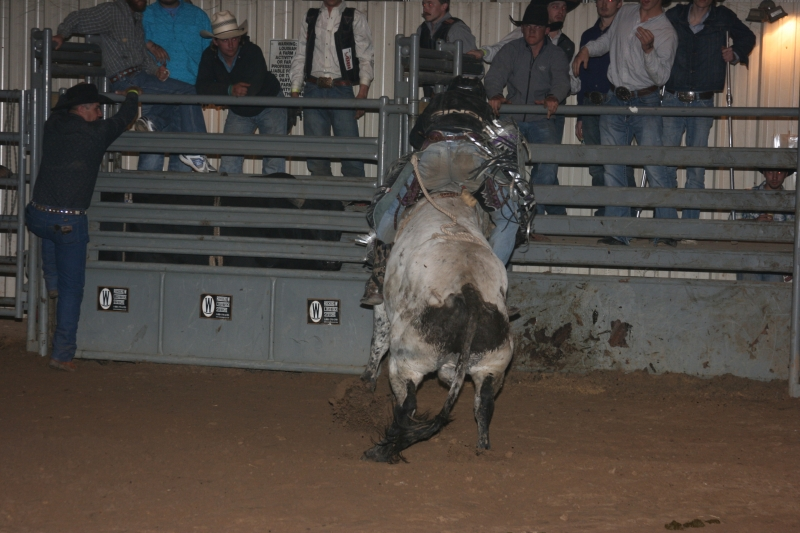 Dylan Scott & Bull Riding 077